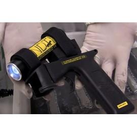 Aeroszolhoz rögzíthető UV LED lámpa fluoreszkáló vizsgálatohoz